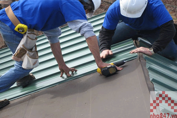 Hướng dẫn tự sửa mái tôn, máng xối tại nhà