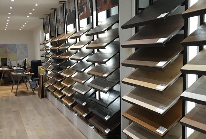 Mẫu showroom trưng bày gỗ nội thất