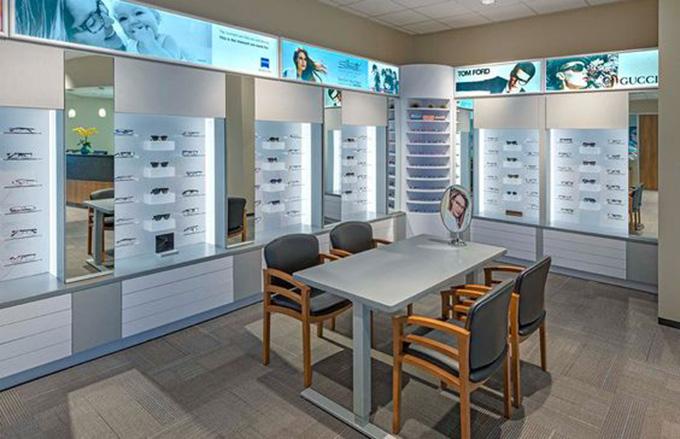 Mẫu thiết kế shop, showroom mắt kính đẹp
