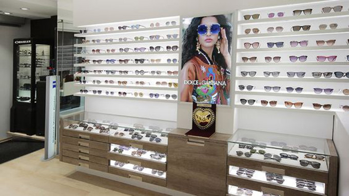 Mẫu thiết kế cửa hàng mắt kính đẹp