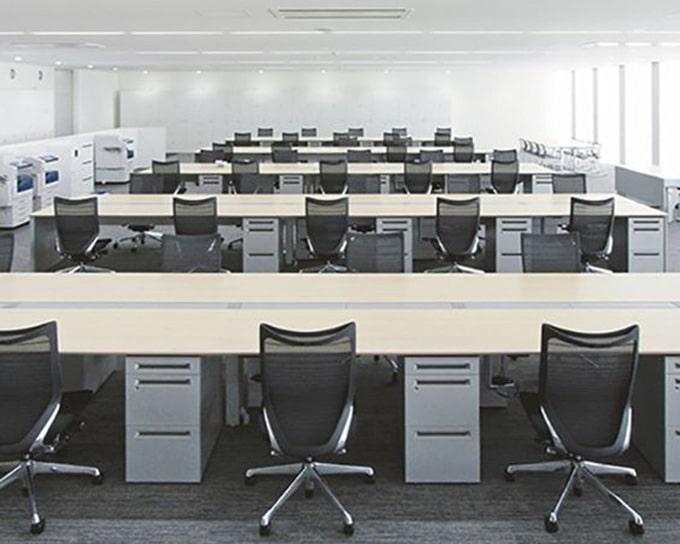 Mẫu thiết kế văn phòng làm việc nhiều nhân viên